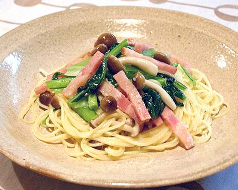 小松菜とベーコンの塩麹パスタ