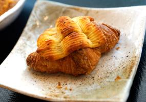 味噌クロワッサンのくりーむパン